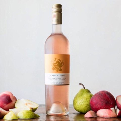 It's baaackkk! Have you stocked up yet? ⭐️⭐️ . . . . . . . . . . .  #wolffer #wolfferwine #wolfferestate #wolfferestatevineyard #wolfferstyle #wine #winemaking #winelover #winetasting #wolffercider #wolfferrose #rosecider #rosécider #hardcider #roséallday #Rosé #roséseason #applecider #summerdrink #pinkdrink #sparkling #bubbly #summereats #pooldays #beach #montauk #hamptons #eastend #nyc