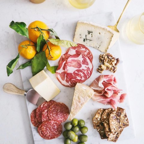 Midweek survival platter via @localhaven 🧀🧀🧀🧀🧀 . . . . . . . . . . .  #wolffer #wolfferwine #wolfferestate #wolfferestatevineyard #wolfferstyle #wine #winemaking #winelover #winetasting #wolffercider #wolfferrose #rosecider #rosécider #hardcider #roséallday #Rosé #roséseason #applecider #summerdrink #pinkdrink #sparkling #bubbly #summereats #pooldays #beach #montauk #hamptons #eastend #nyc