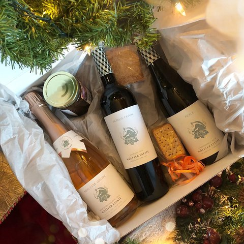 Have you got your holiday gift yet? Make it easy this year with one of our ready-made gift boxes 🎄 Free shopping now through 12/25! Happy holidays! . . . . . . . . . .  #wolffer #wolfferwine #wolfferestate #wolfferestatevineyard #wolfferstyle #wine #winemaking #winelover #winetasting #wolffercider #wolfferrose #rosecider #rosécider #hardcider #roséallday #Rosé #roséseason #applecider #summerdrink #pinkdrink #sparkling #bubbly #summereats #pooldays #beach #montauk #hamptons #eastend #nyc